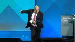 Peter Altmaier, ministre allemand proche de Merkel chute lourdement après un