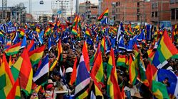 Morales réélu en Bolivie: démonstration de force des deux camps, plus de 30