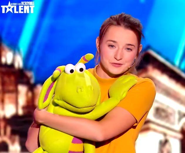 La blague douteuse d'Éric Antoine à cette ventriloque de La France a un incroyable talent...