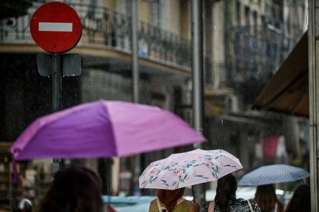 Εκακτο δελτίο επιδείνωσης του καιρού: Ερχονται καταιγίδες με ισχυρούς