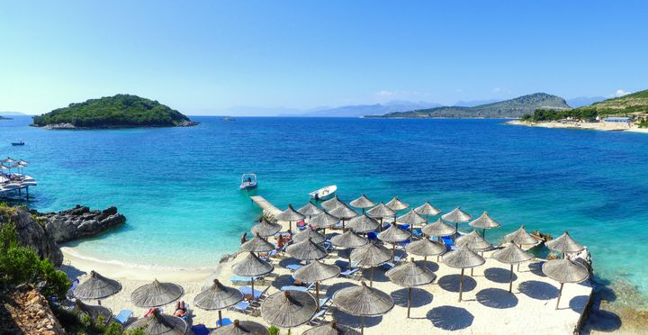 Τα τελευταία χρόνια το Εξαμίλι γνωρίζει μεγάλη τουριστική ανάπτυξη