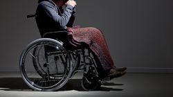 Si opera di ernia e rimane paralizzato a vita: