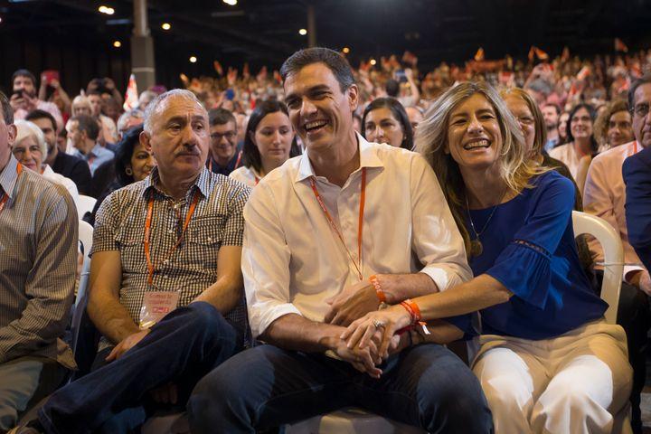 Pedro Sánchez y Begoña Gómez en el Congreso del PSOE de 2017.