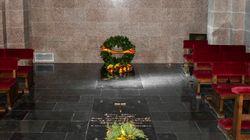 El Gobierno divulga fotos de la tumba de Franco en
