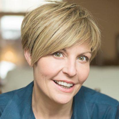 La comédienne Marie-Chantal Perron est l'une des autrices du roman graphique «copine et Copine».