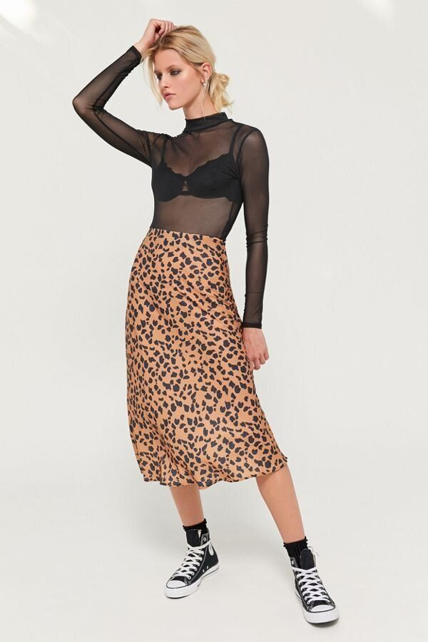 Still don't have a leopard midi skirt? This one is on sale.