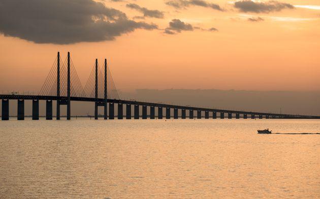TheÖresund Bridge connects Sweden and