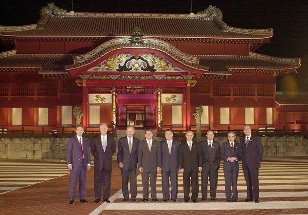De gauche à droite: Tony Blair, Bill Clinton, Jean Chretien, Gerhard Schroeder, Yoshiro Mori,...