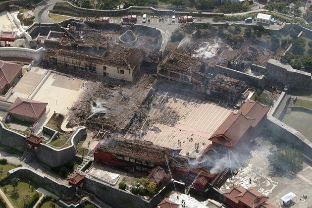 Le château de Shuri au Japon ravagé par un incendie dans la nuit du 30 au 31