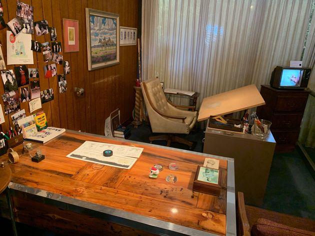チャールズMシュルツ氏が長年愛用してきた仕事部屋=カルフォルニア州サンタローザ