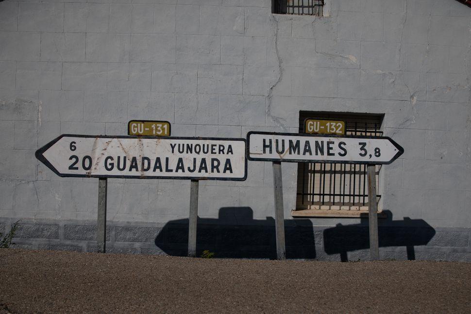 Cuando al pueblo sólo llega el pan: la realidad de la España