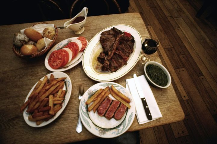 New York Times reviewer Pete Wells gave Peter Luger Steak House a zero-star rating.