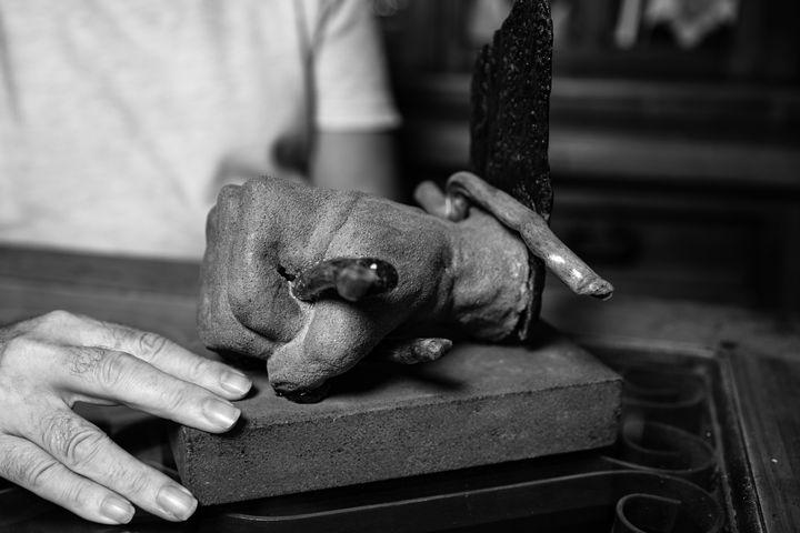 'La fuerza', del escultor Ángel Corpa, que regaló esta obra a Ana.