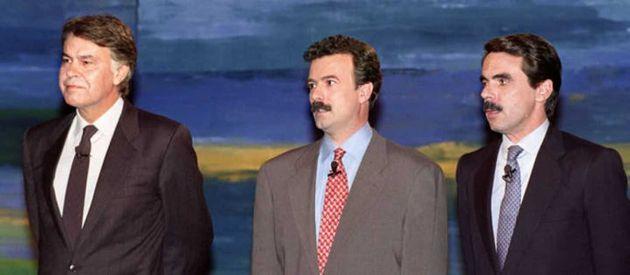 Felipe González y José María Aznar, junto a Manuel Campo Vidal, en