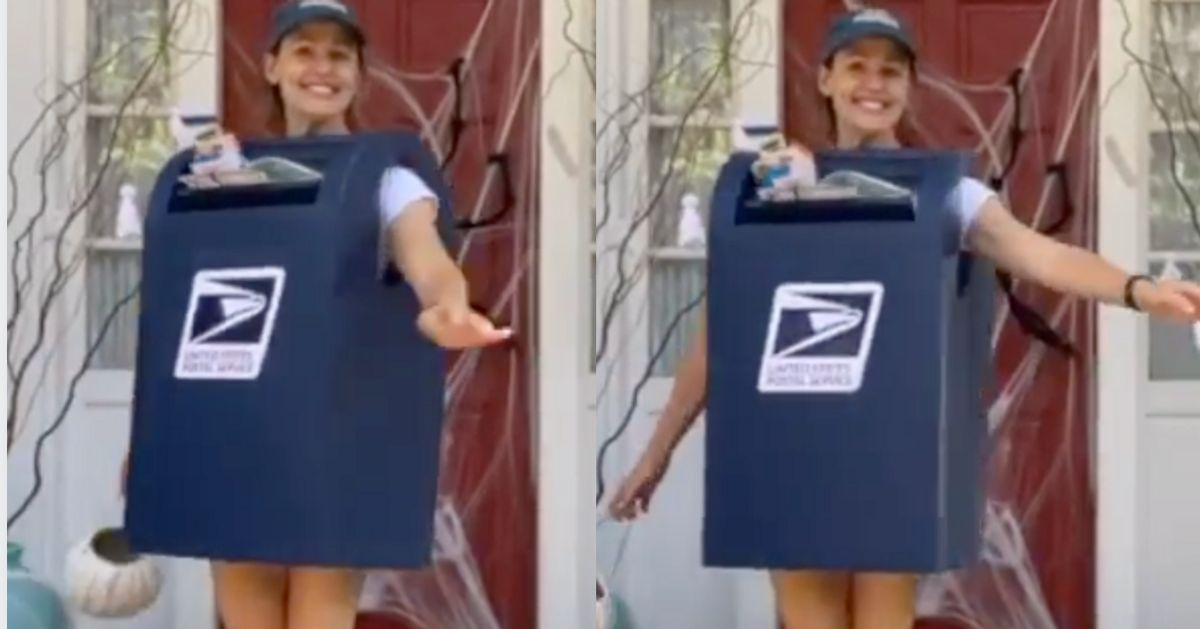 Jennifer Garner Goes 'Funny Over Sexy' And Delivers With Mailbox Costume