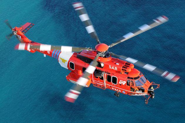 지난달 31일 오후 11시25분쯤 독도 남방 1㎞ 해상에서 영남119특수구조대 헬기가 추락했다. 소방당국 등에 따르면 헬기에는 기장과 부기장, 소방대원 3명과 응급환자 1명, 보호자...
