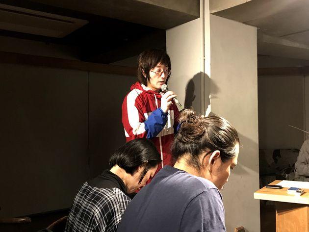 緊急集会に参加した映画『解放区』の太田信吾監督
