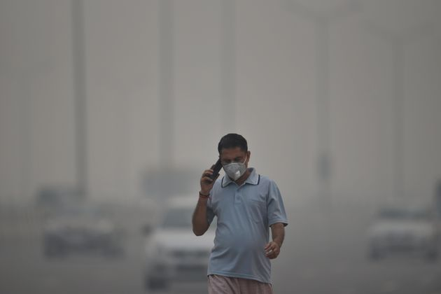 Air Quality Index In Delhi Remains Dystopic, Kejriwal Cries 'Gas Chamber' Yet