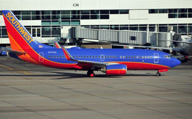 Dans le monde, des dizaines de Boeing 737 NG ont été immobilisés pour subir des...