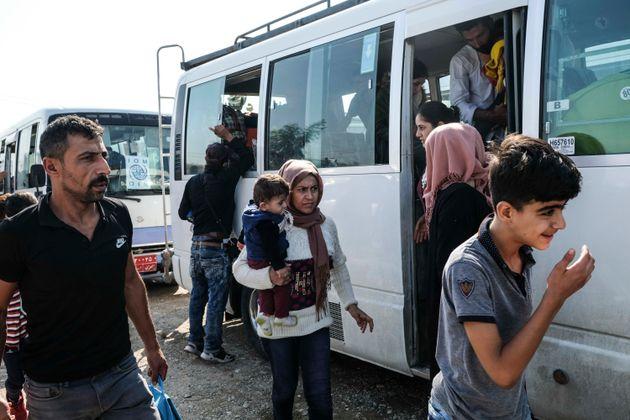 Depuis l'offensive turque au nord de la Syrie, de très nombreuses familles kurdes, en première...