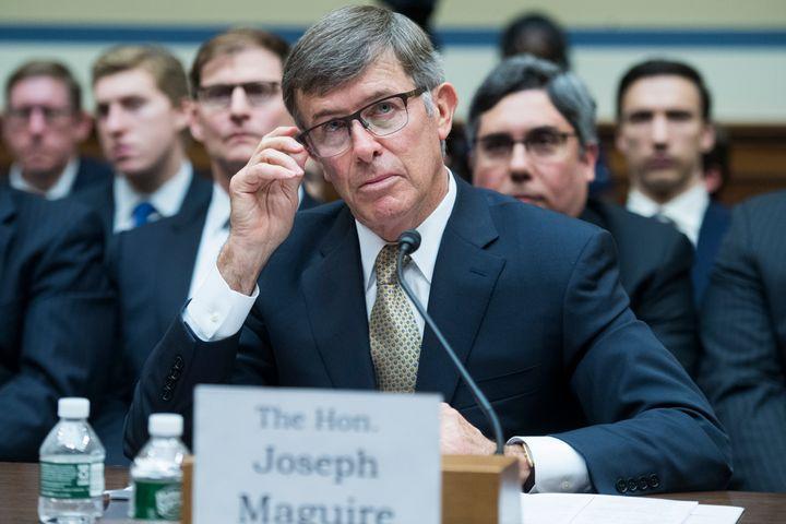 <em>Joseph Maguire, directeur par intérim des services de renseignement américains, témoigne devant la commission du renseignement de la chambre des représentants, le 26 septembre.</em>