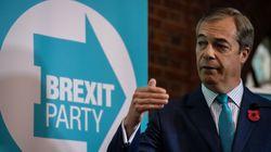 Farage pide a Johnson que se alíe con él y descarte su acuerdo del
