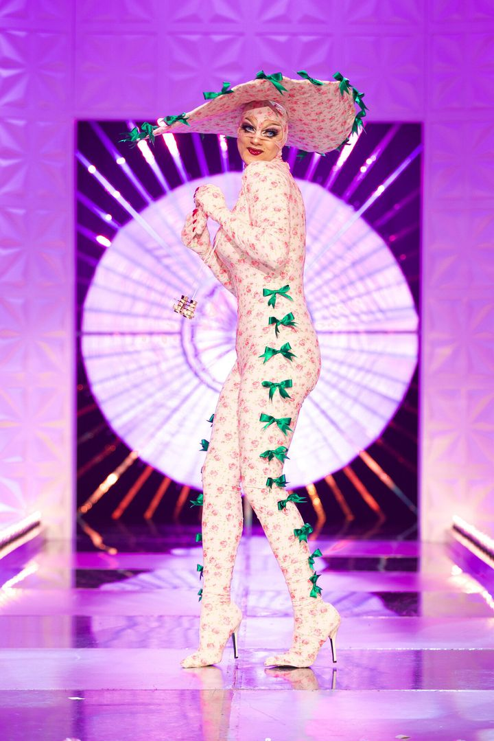 """Crystal on the runway in her """"day at the races"""" look"""