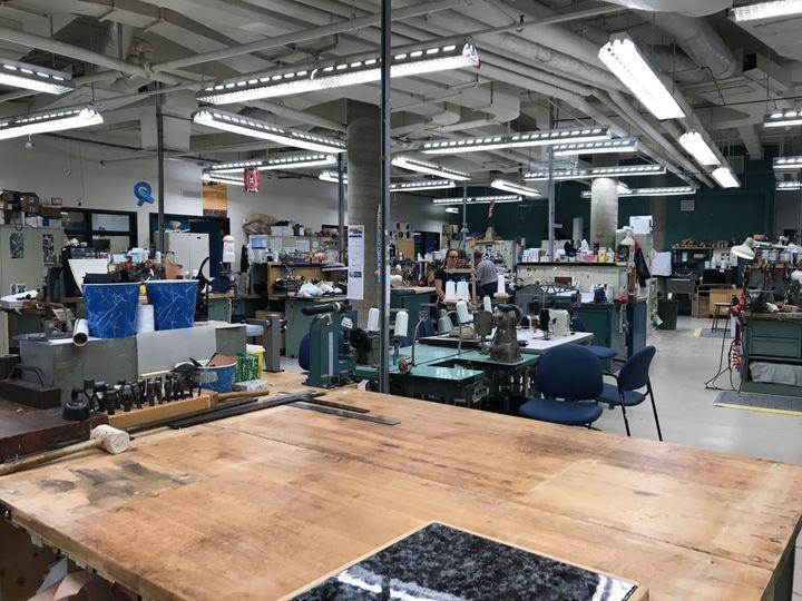 Les artisans de l'Institut de réadaptation Gingras-Lindsay-de-Montréal ont fabriqué plus de 375 prothèses et en ont réparé près de 2200 autres dans la dernière année.