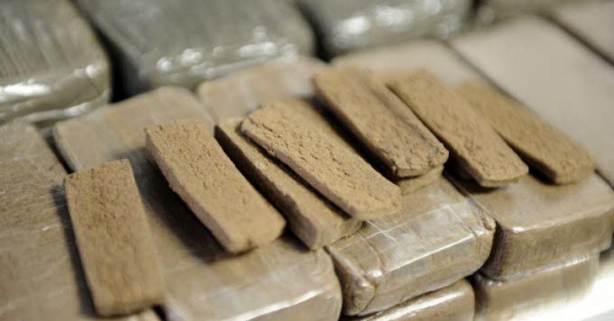 Destruction d'une grande quantité de drogue et de produits de contrebande à Tan-Tan
