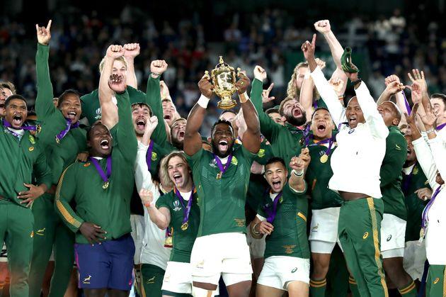 À la 66e minute de la finale de la Coupe du monde de rugby, un essai deMakazole Mapimpi...