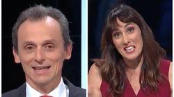 Pedro Duque deja con esta cara a la moderadora de un debate con su inesperado