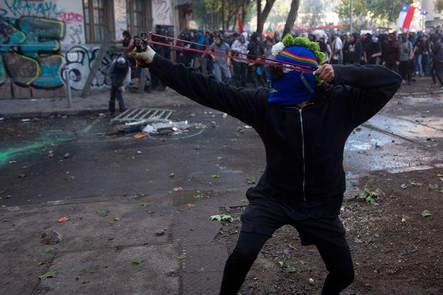 Enfrentamientos entre la policía y manifestantes en