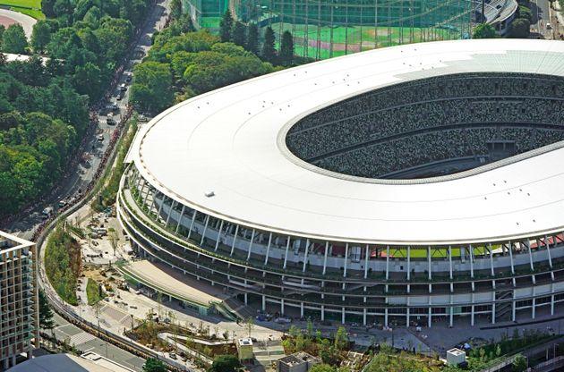 建設中の新国立競技場(2019年9月15日、時事通信撮影)