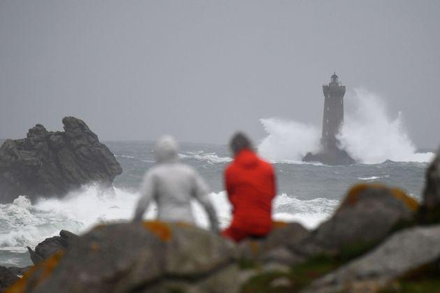 Toute la façade atlantique est balayée ce dimanche 3 novembre par des rafales de vent
