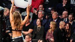 Trump (encore) hué par le public, cette fois à une soirée de combats de