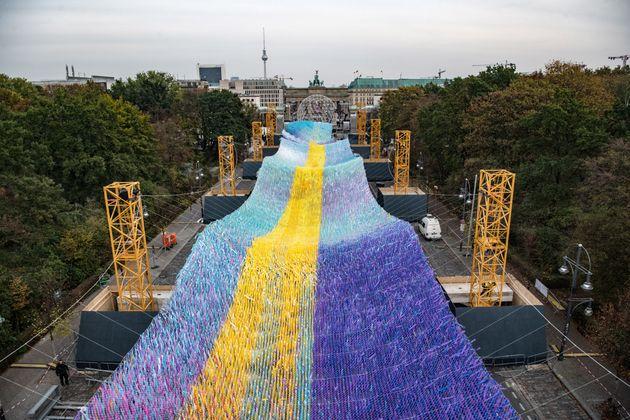 A trent'anni dalla caduta del muro, Berlino si veste a