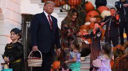"""Pour Halloween, des enfants invités à """"construire le mur"""" à la Maison"""