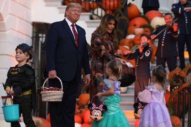 C'est lors d'une soirée organisée pour les enfants des employés de la Maison Blanche et d'autres services...