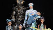 Der Kardashians' Angriff Auf Halloween Geht Weiter, Aber Dieses Mal Mit Würmern