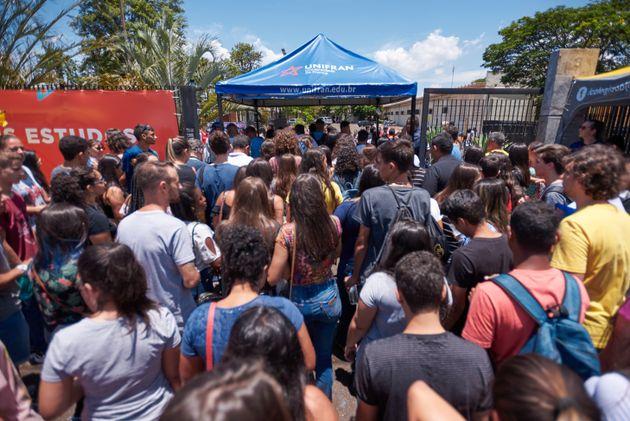 Prova do Enem sob governo Bolsonaro traz 'democratização do cinema' como tema de