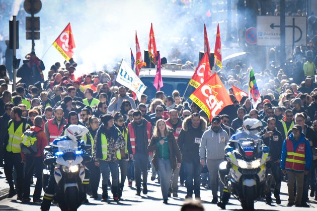 La CGT et les gilets jaunes à Marseille, lors d'une grève, le 5 février