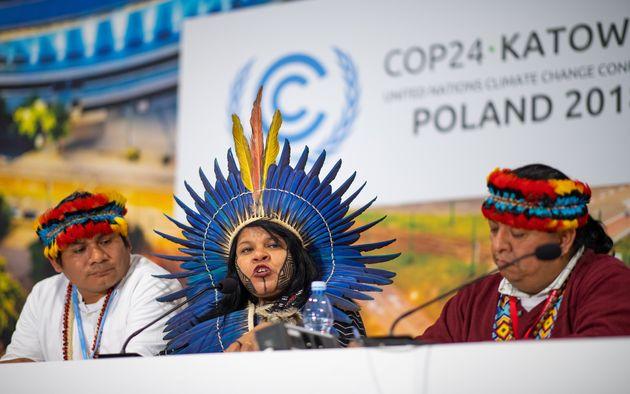 Sonia Guajajara, líder indígena e ativista ambiental, em palestra no evento