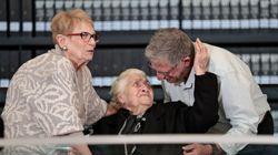 홀로코스트 당시 유대인 가족을 숨겨준 92세 노인이 생존자의 손주들을