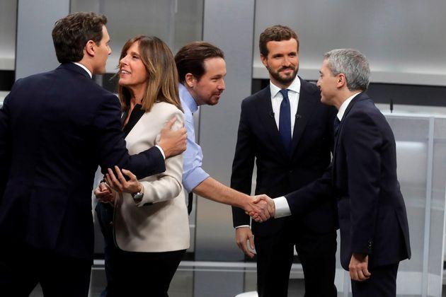 Los candidatos a la presidencia del Gobierno de Unidas Podemos Pablo Iglesias (c), del PP Pablo Casado...