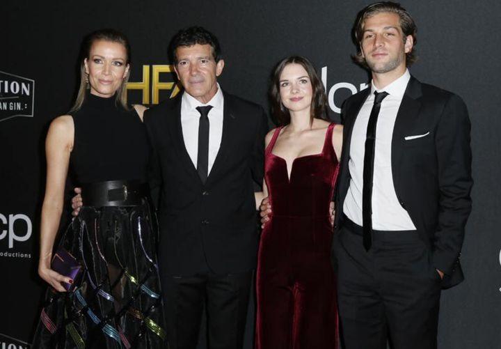 Nicole Kimpel, Antonio Banderas, Stella del Carmen y Eli Mayer.