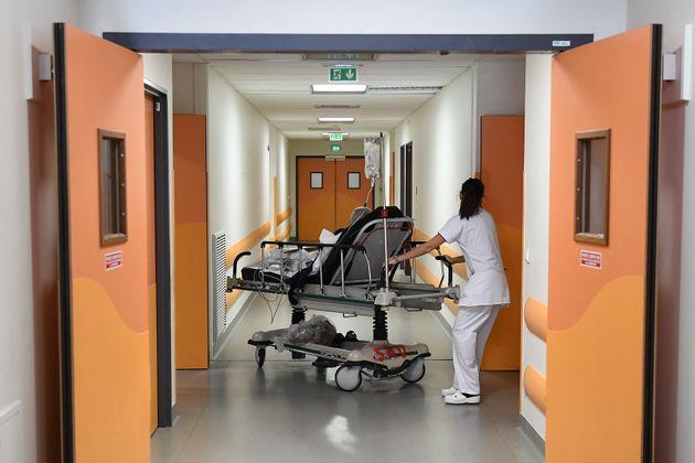 Photographie du service des urgences de l'hôpial La Timone, à Marseille en 2017