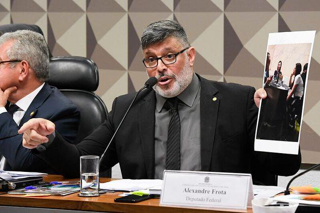 Em depoimento à CPMI na semana passada, o deputado Alexandre Frota (PSDB-SP) chamou Allan dos...