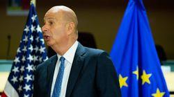 Ο πρέσβης των ΗΠΑ στην ΕΕ γνώριζε για την «συνεργασία» Τραμπ -