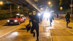 Χονγκ Κονγκ: Βουλευτής που τάσσεται υπέρ του Πεκίνου τραυματίστηκε σε επίθεση με
