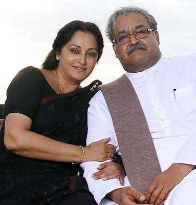 Mohanlal and Jayaprada in 'Pranayam'